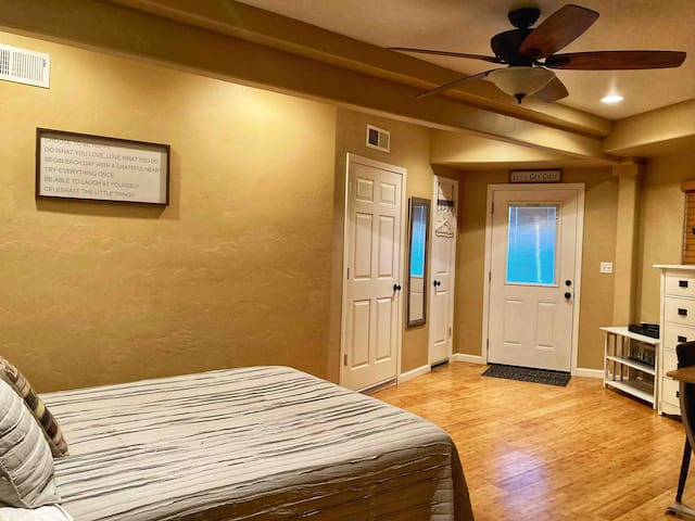 Yosemite Room (2nd of 2 master bedrooms) has a private bathroom with walk in shower and direct access out to the downstairs deck with hot tub. This room also includes Cable TV (DirectTV).