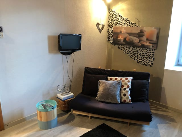 Studio minimaliste situe à Bart