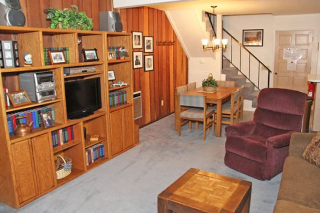 Mammoth Condo Rental Chamonix A12 - Living Room with Flat Screen TV, view towards Dining Area