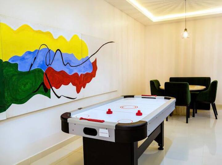 Lekki Shortlet 4BR Apartment with AirHockey Game 7