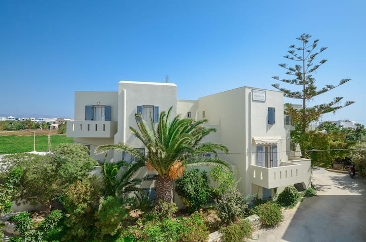 Beautiful Two-Roomed Apartment in Agia Anna