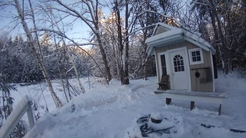 Loon Area Riverside Cabin - Heated/Insulated!