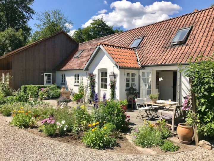 Farm House in idyllic surroundings