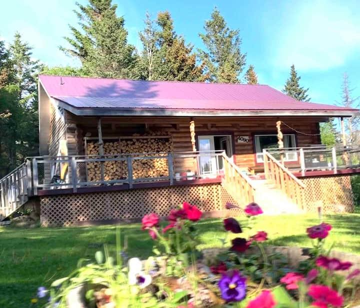 Gorgeous Alaskan Log Home with Glacial Views!