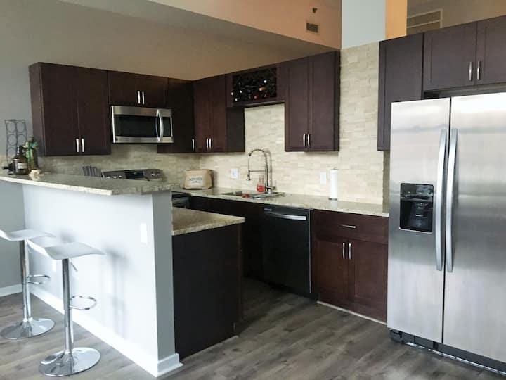 CLEAN Convenient Hotel-Quality Condo DT  Cleveland