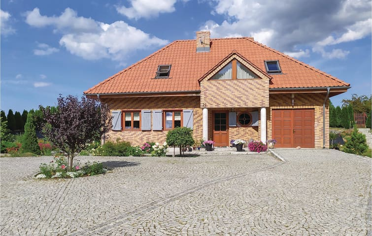 Holiday cottage with 3 bedrooms on 124m² in Gardna Wielka