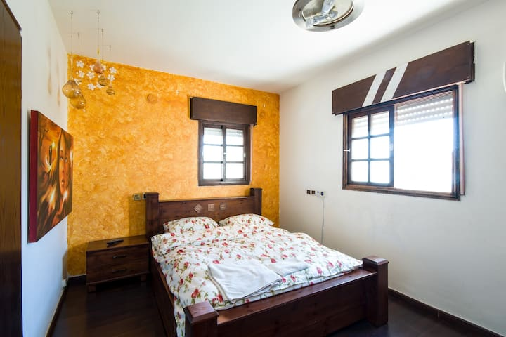 Private rooms in a villa - Kiryat Yam - 公寓