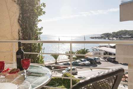 Athens Vouliagmeni great sea view - Vouliagmeni