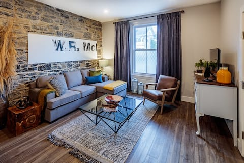 Modern Rustic Flat in Downtown Kingston