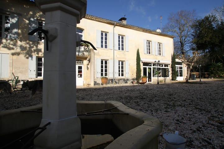 Bastide en pierre à 15 minutes de Bordeaux
