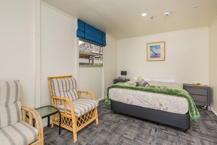 Triple Room, Riverside Lodge Paihia