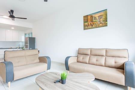 Homey and Spacious 3 Bedroom @ Impiria Residensi