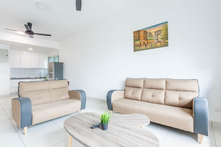 Homey and Spacious 3 Bedroom @ Impiria Residensi
