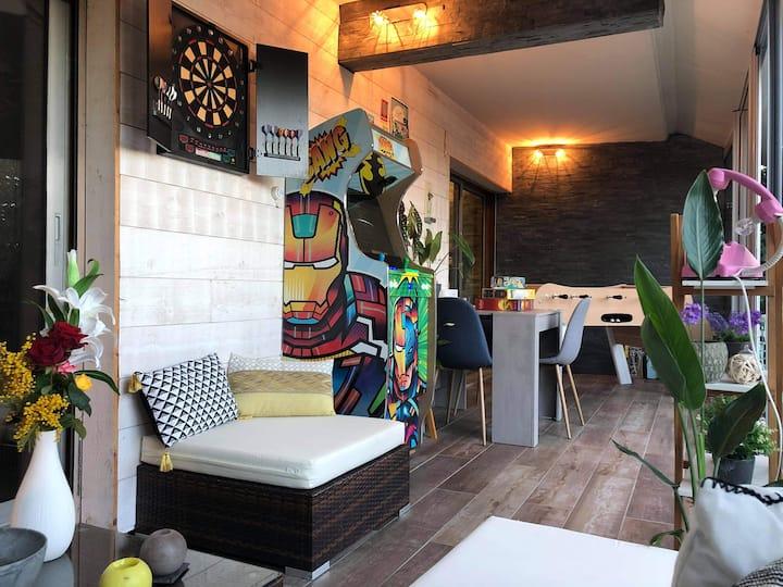Flat 2R+veranda, jacuzzi,garden,pkg, SwPool,tennis