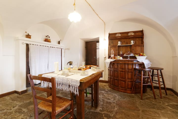 Nest away from hustle and bustle - Borgofranco d'Ivrea - Aamiaismajoitus