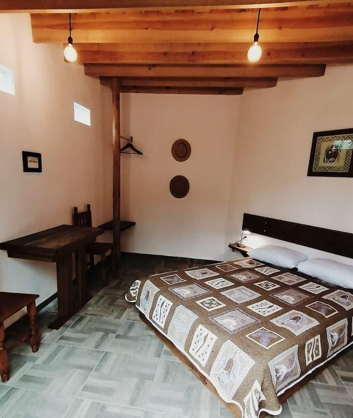 QUETZAL 1.  Habitación acogedora en Tepoztlán
