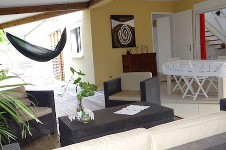 Villa spacieuse lumineuse aérée de 200m2 - Etang-Salé les Hauts