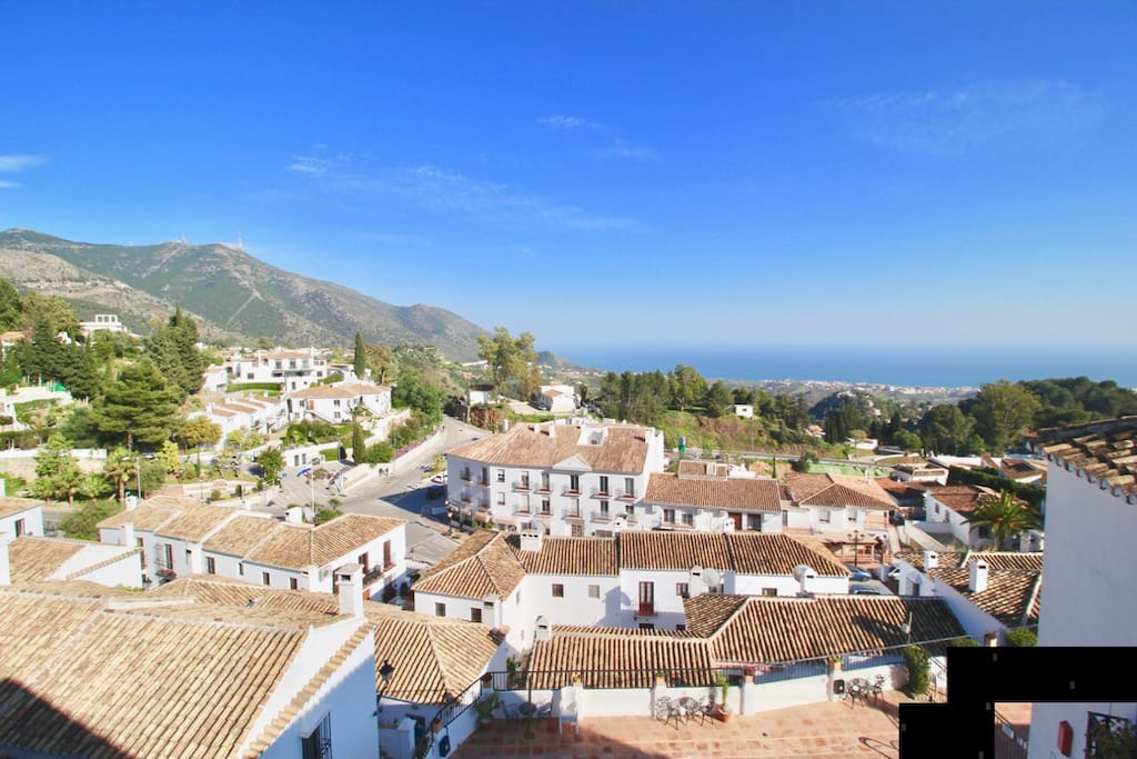 Views of Mijas and sea