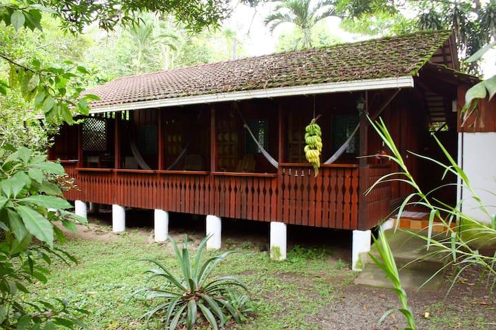 Bungalow 3 mit 3 Doppelzimmer und Gemeinschaftsbad