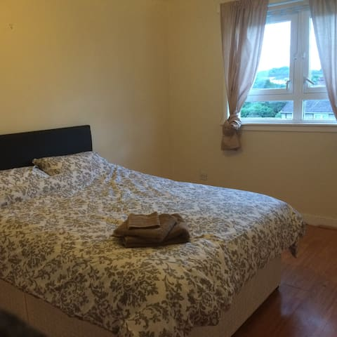 Glasgow friendly short stay accommodation R.2 - Rutherglen - Apartmen