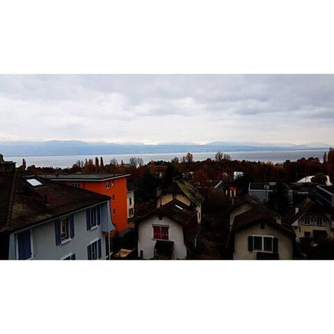 Appartement en ville avec vue sur le Lac