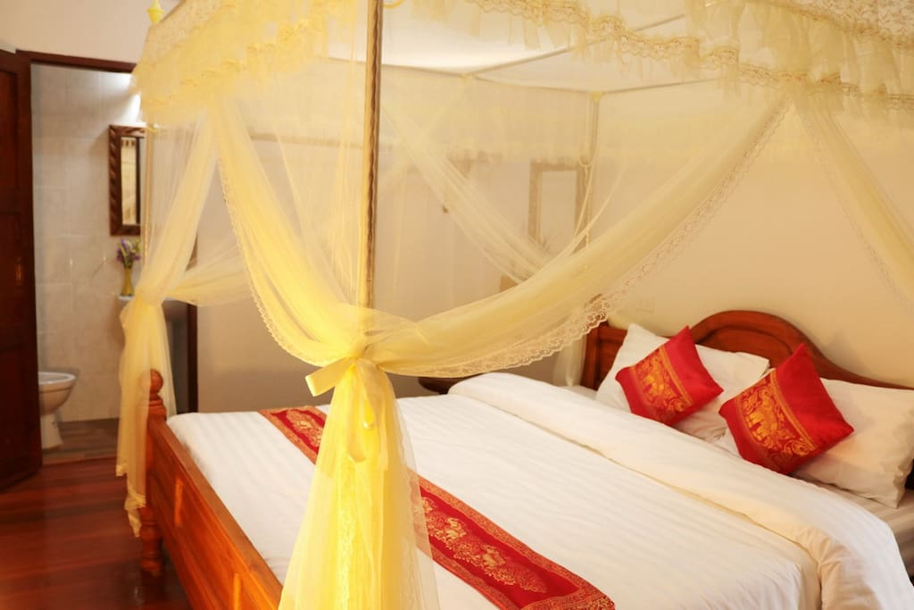 Sleep well with us at Gland Deluxe Room Apilapa Hotel & Hostel, Chiang Mai, Thailand.