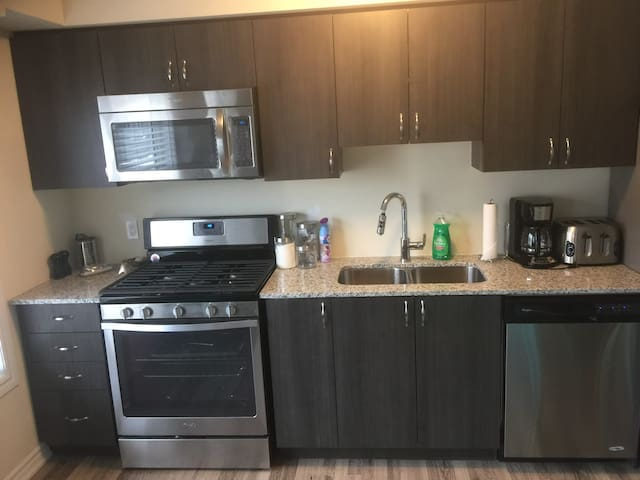 1 Bed 1 Bath Condo by the Water in Collingwood