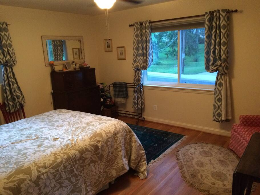 Queen Bed - Large Private Bedroom with Chest of Drawers, Closet, Table, and Chair