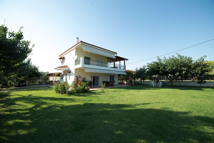 Luxury Villa in Nea Plagia IDEAL for families - Flogita - Villa