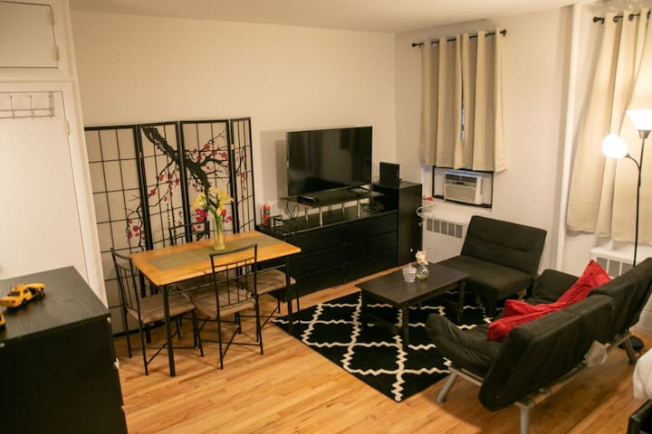 Clean and beautiful studio in Midtown
