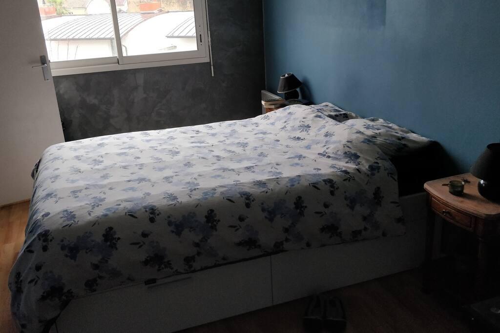apt t2 calme et lumineux proche du centre appartements en r sidence louer nantes pays de. Black Bedroom Furniture Sets. Home Design Ideas