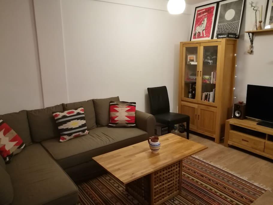 Extendable sofa/Living room