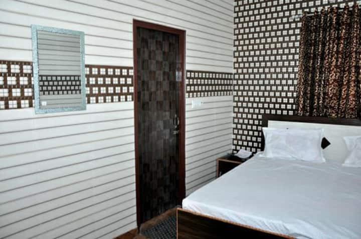 Hotel Punjabi Niwas (Near Golden Temple)