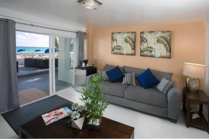 Pearl - Beach front suite, peace of mind!