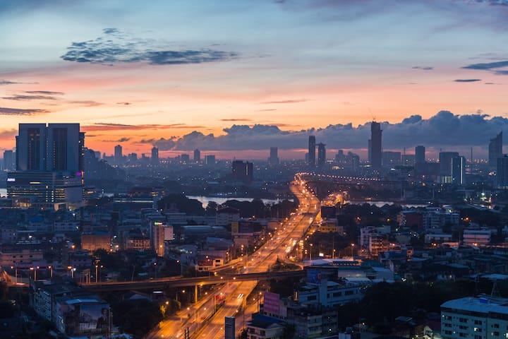 3 Bangkok Sky View | BTS | Pool | Sky view