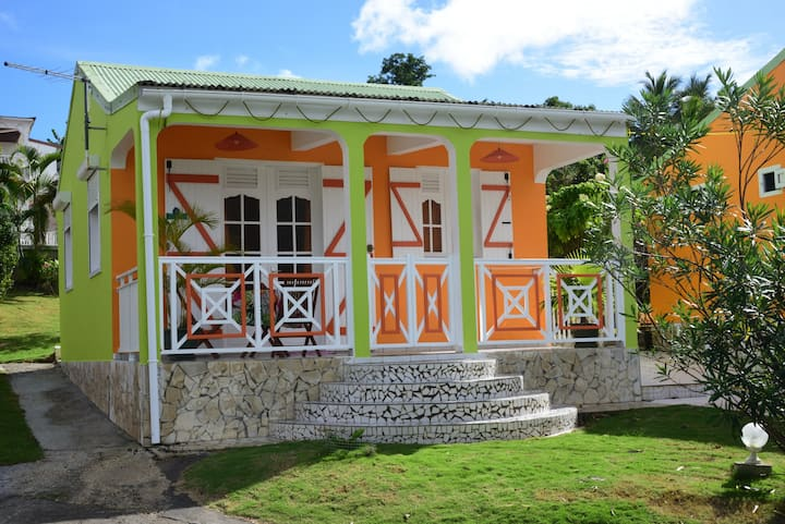"""La villa """"Siblet"""", calme , confort, et charme!!!"""