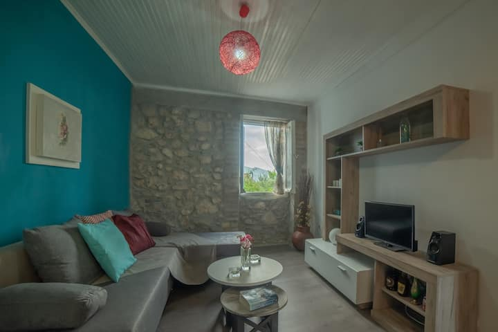 """""""Magda's Place"""" Cozy Studio in Traditional Village"""
