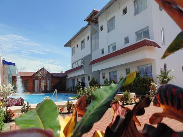 Hotel Yurak, Bienvenidos