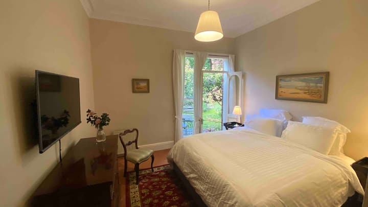 Garden Suite with King Bed at Rowan Brae