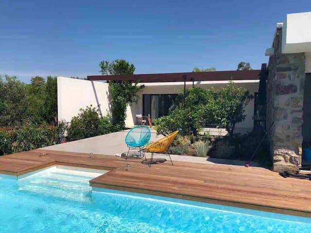 Villa  St Tropez Grimaud piscine plage privée