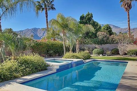 Palm Springs Oasis w Private Saltw. Pool, Views