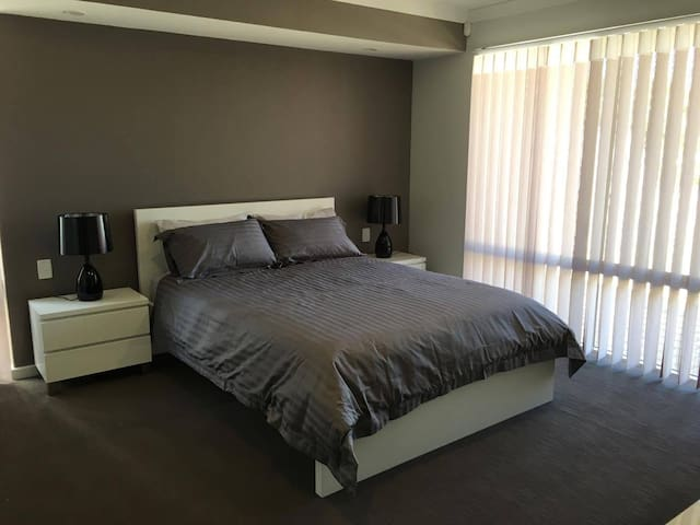 NEWLY RENOVATED beautiful, modern & cozy home - Waterford - Apartmán pro hosty