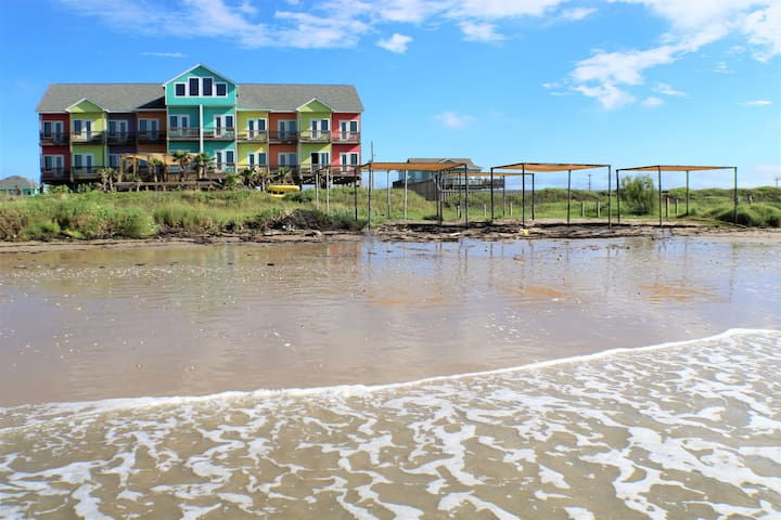 BEACHFRONT Boardwalk Resort - sleeps 13
