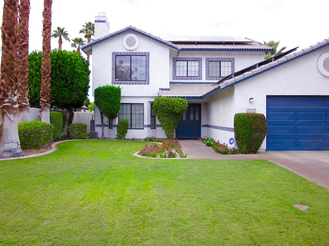 Large Cute Cottage Home - Cathedral City - Casa