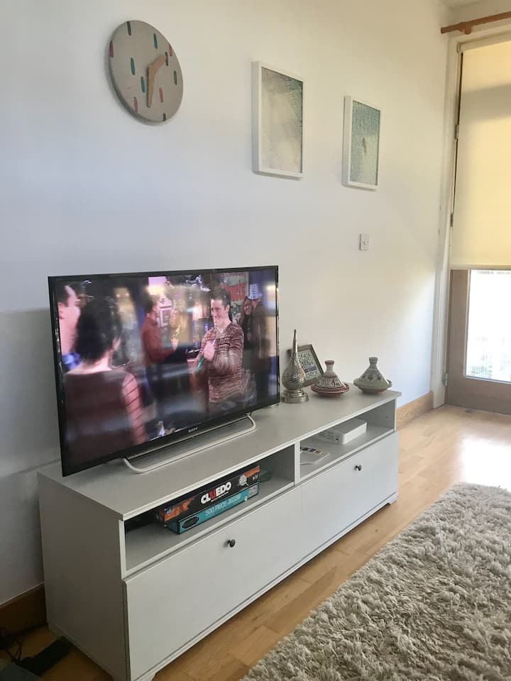 Private Double Bedroom near Dublin City Center