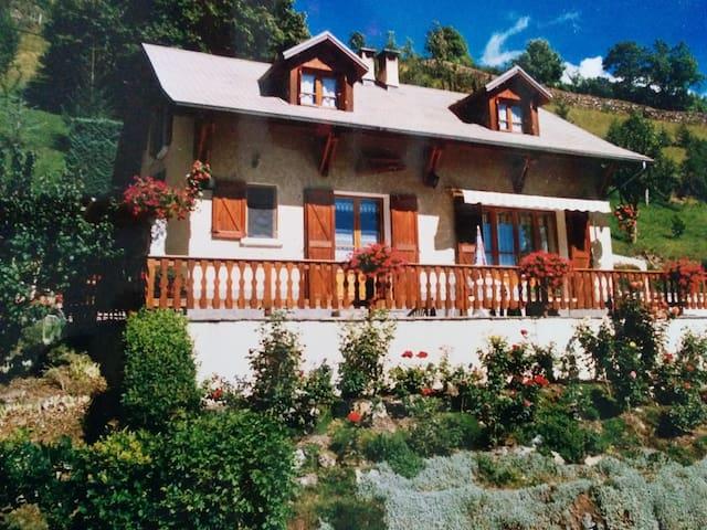 chaletde montagne proche station de ski - Jausiers - Alpehytte