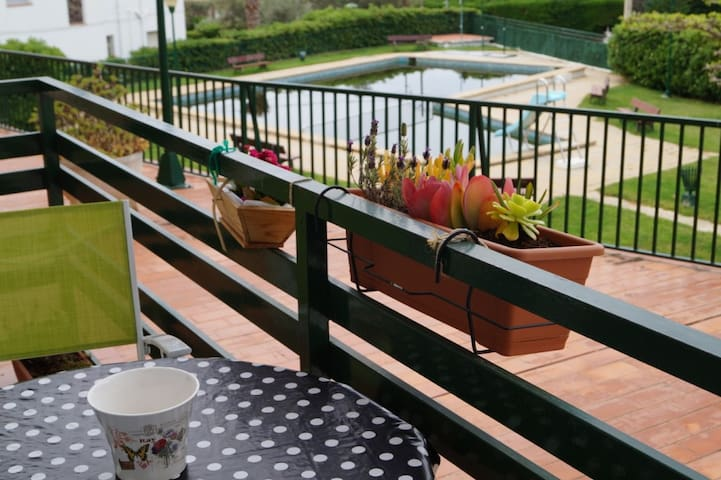 Bonito apartamento con parking y piscina A4 - Roses - Appartement