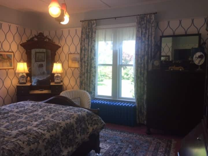 Historic room in Italianate house