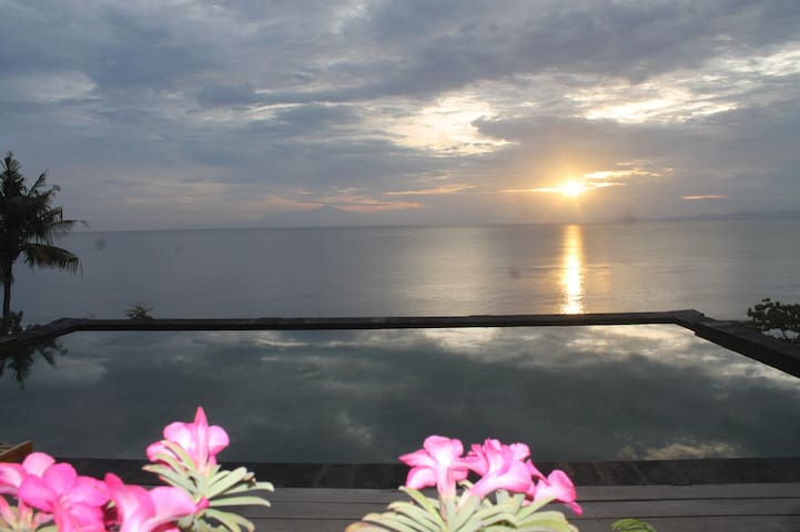 Manta Cottages with Sea View - Nusapenida - Boutique hotel