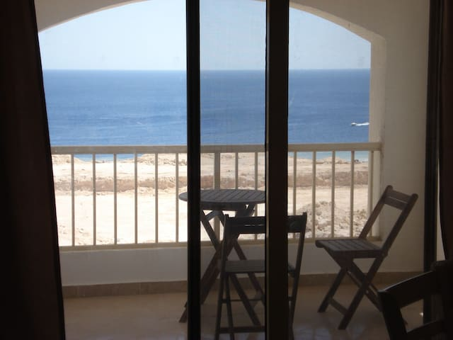 Sea view apartment for rent in Montazah Sharm - South Sinai Governorate - Apartment